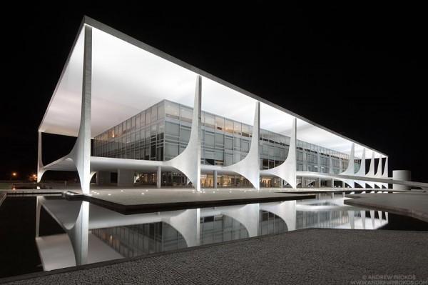 Oscar niemeyer s brasilia la76 lifestyle and - Arquitecto de brasilia ...