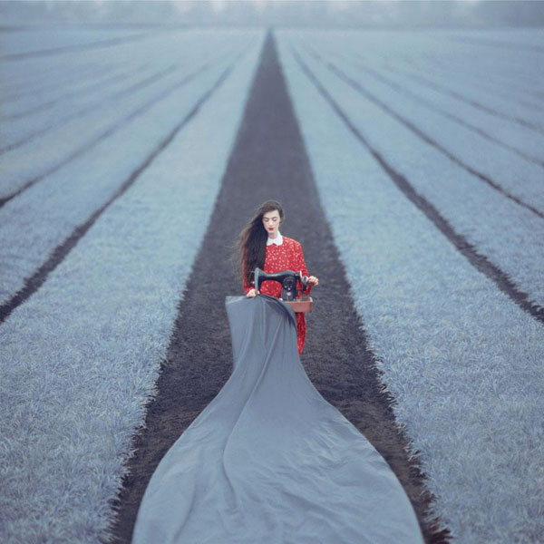 02-surreal-dream-like-photography-oleg-oprisco