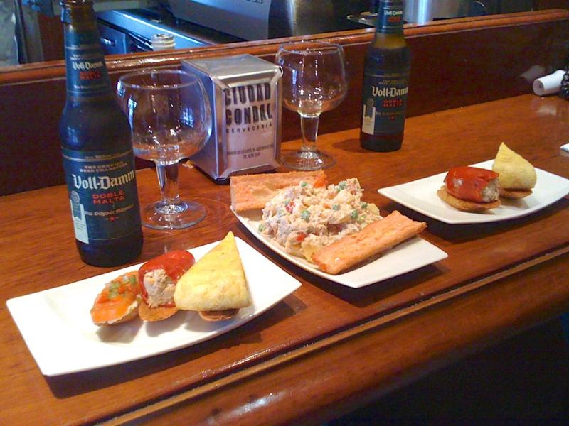 Tapas & cervezas at Ciutat Comtal