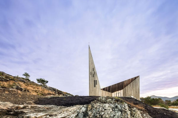 church-architecture-Knarvik-community-church-hordaland-norway-LA76-blog_0016