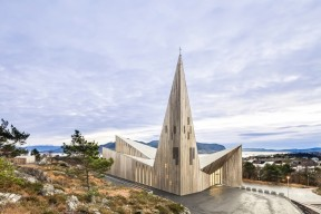 church-architecture-Knarvik-community-church-hordaland-norway-LA76-blog_0019